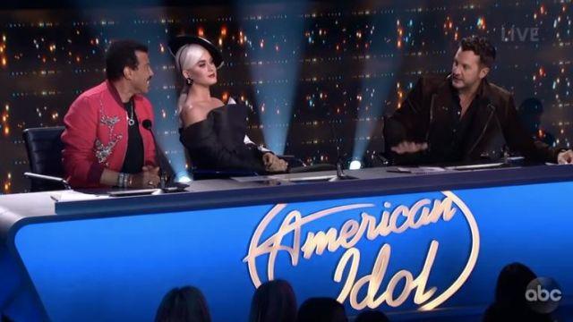 Vhernier Verso Earrings worn by Katy Perry on American Idol May 2019