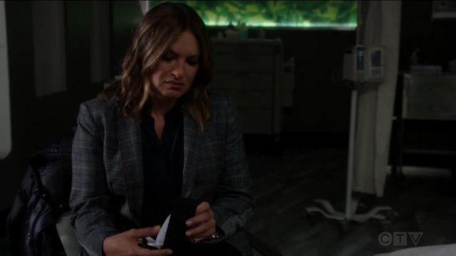 Vince Half Placket Silk Blouse worn by Olivia Benson (Mariska Hargitay) in Law & Order: Special Victims Unit (S20E22)