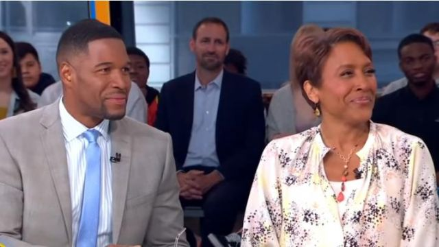 Equipment Causette Print Silk Blouse worn by Robin Roberts on Good Morning America May 21,2019