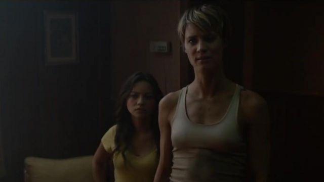 The white tank top worn by Grace (Mackenzie Davis) in the Terminator : Dark Fate