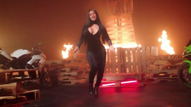 Black leggings worn by Cardi B in Wish Wish music video by