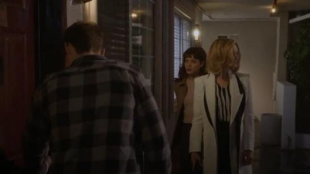 Black and White Double Lapel Jacket worn by Anne Montgomery (Renée Zellweger) in WHAT / IF (Season1 Episode7)