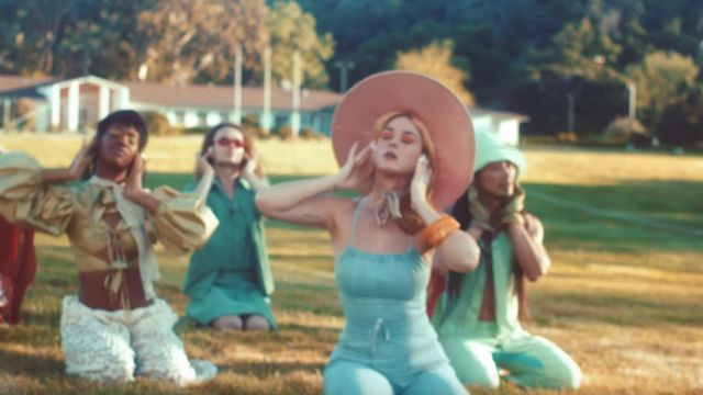 Pink oversized hat worn by Katy Perry in her Never Really Over music video