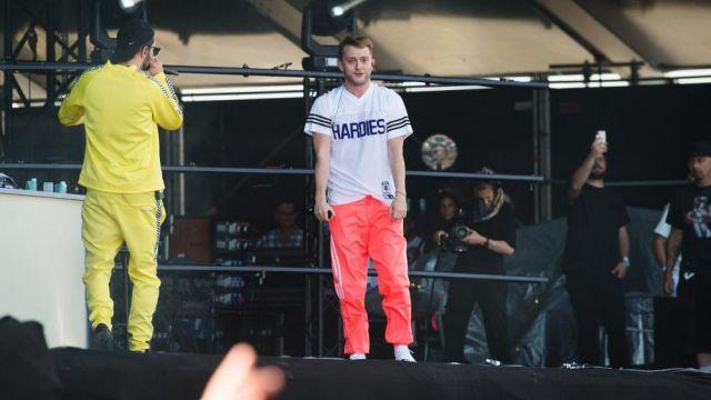 Le pantalon de survêtement Adidas orange porté par Vald lors de son live Change de vie avec Vladimir Cauchemar au Festival We Love Green 2019