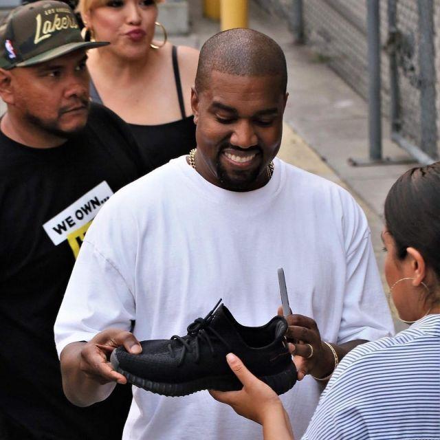 adidas yeezy boost 350 v2-kanye west