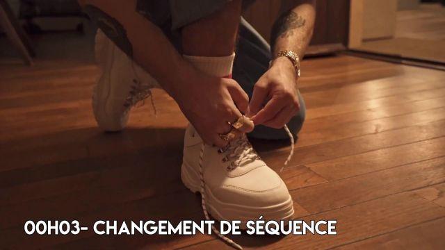 Les sneakers portées par Squeezie dans sa vidéo YouTube Comment faire un clip de l'été ? (légèrement cliché)