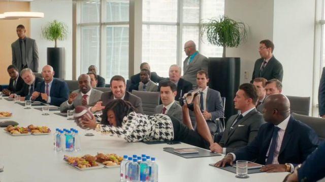 Les escarpins noirs portés par Ali Davis (Taraji P. Henson) dans Ce que veulent les hommes