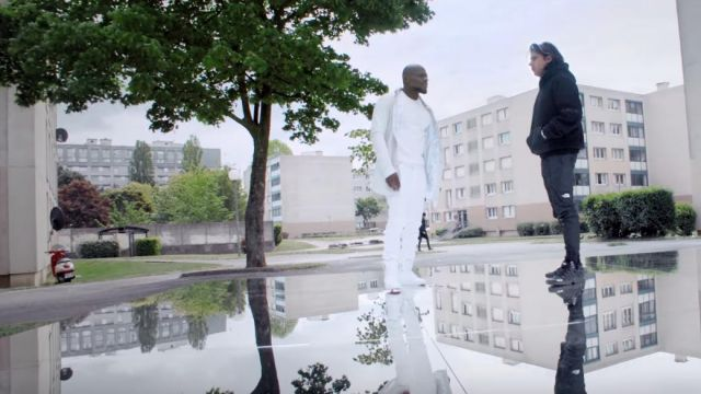 Le pantalon de jogging noir The North Face porté par Orelsan dans le clip À qui la faute ? de Kery James