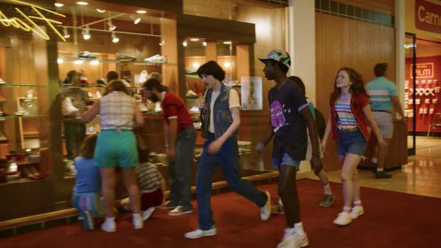 Red Zip Short Sleeve Shirt worn by Max Mayfield (Sadie Sink) in Stranger Things (Season 03 Episode 01)