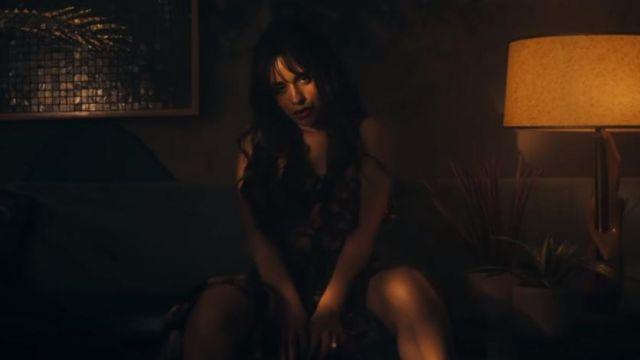 The flower dress of Camila Cabello in the video clip Señorita