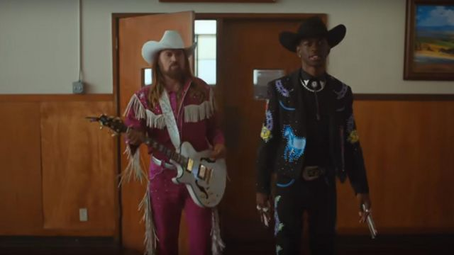 The jacket with fringing on the sleeves of Lil Sin X in her video clip Old Town Road feat. Billy Ray Cyrus