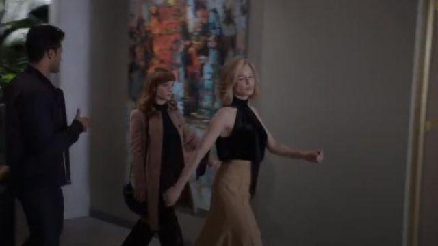 Chloé Tan Women's Basket-Weave Wool Midi-Skirt worn by Anne Montgomery (Renée Zellweger) in WHAT / IF (Season 01 Episode 06)