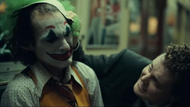 Printed Shirt worn by Arthur Fleck / Joker (Joaquin Phoenix) as seen in Joker