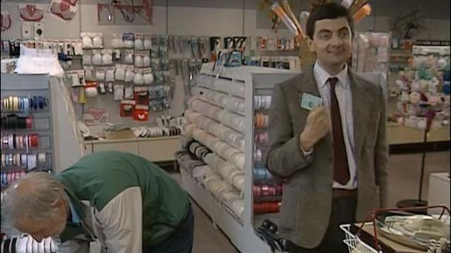 American Express Green Card used by Mr. Bean (Rowan Atkinson) in Mr. Bean (Seaosn 01 Episode 02)