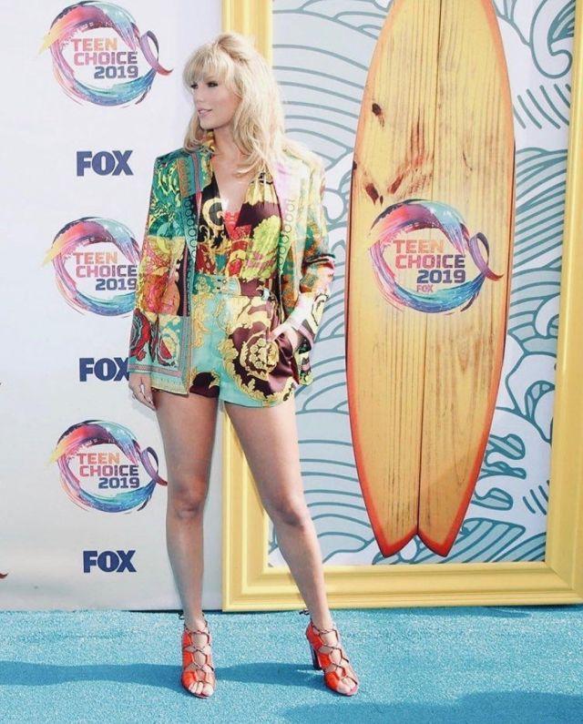 Kat Maconie Kiko Sandales porté par Taylor Swift Teen Choice Awards, le 11 août 2019