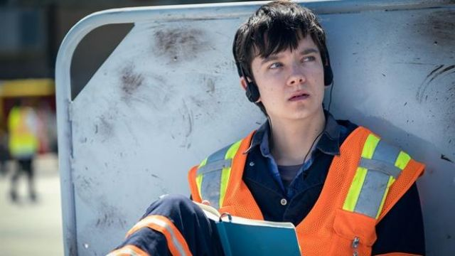 Small Headphone used by Calvin (Asa Butterfield) in Then Came You