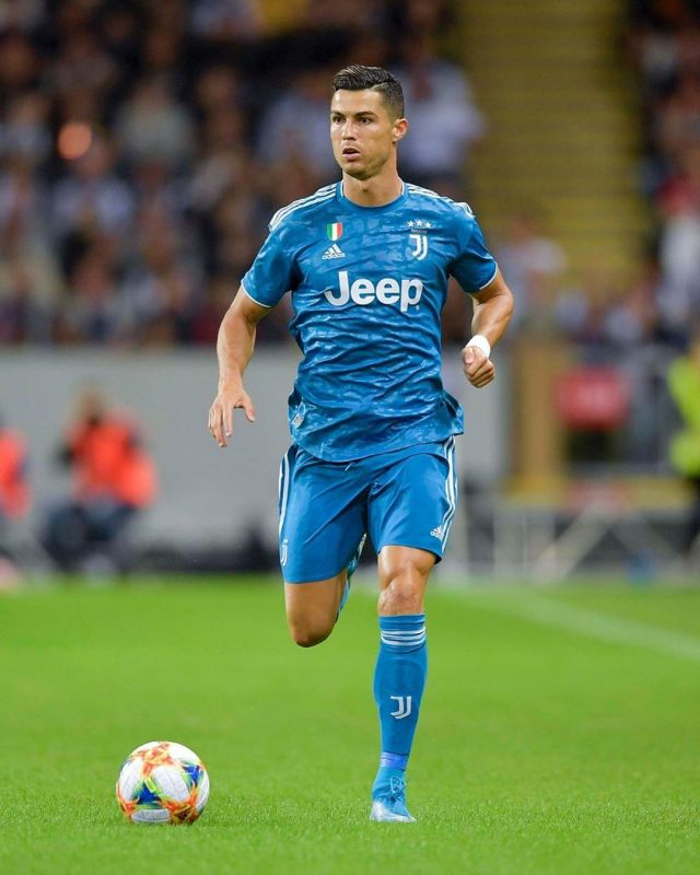 wholesale dealer d2be6 d05c7 Juventus Blue Jersey worn by Cristiano Ronaldo on his ...