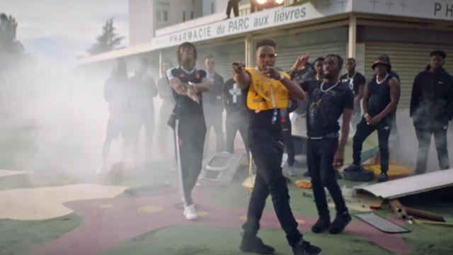 Sneakers Givenchy porté par Niska dans son clip -Du lundi au lundi