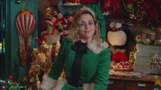 The costume goblin green, Kate (Emilia Clarke) in Last Christmas