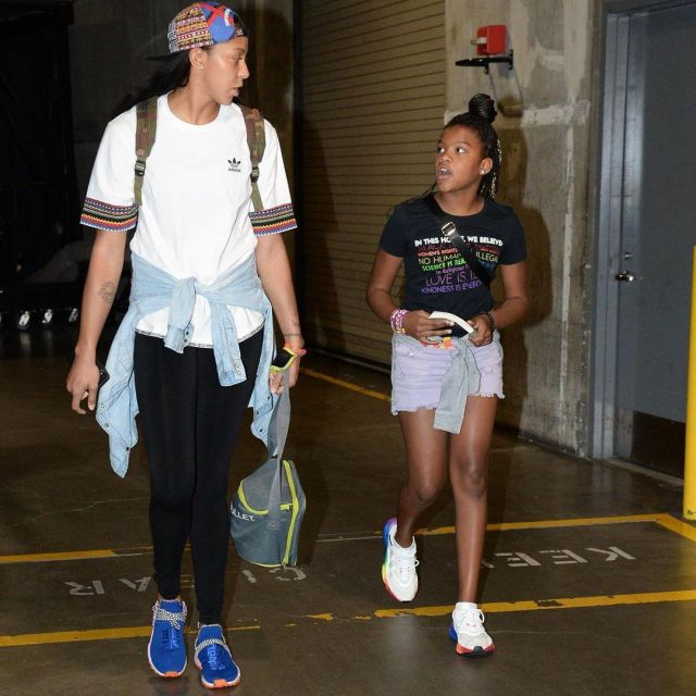 adidas Originals Veste HU Hiking Jacket SST Pharrell