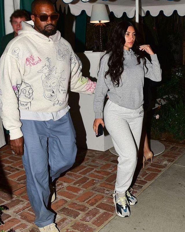 new arrival 2942b dc901 Adidas X Yeezy Boost 700 OG worn by Kim Kardashian the ...