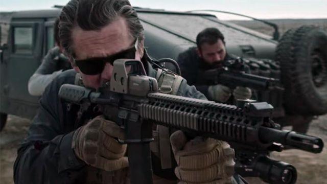 Mechanix gloves of Matt Graver (Josh Brolin) in Sicario: Day of the Soldado