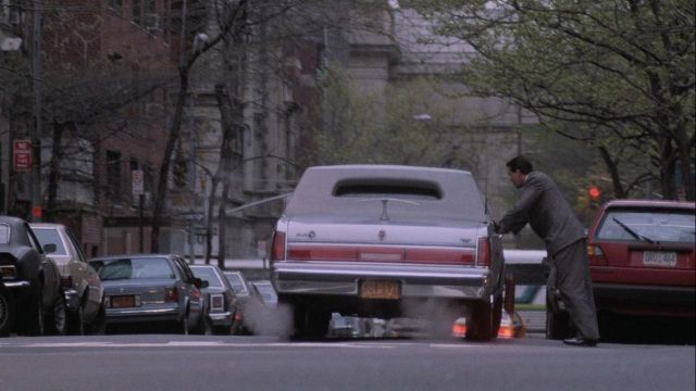 Lincoln town car stretch limosine of Bud Fox (Charlie Sheen) in Wall Street