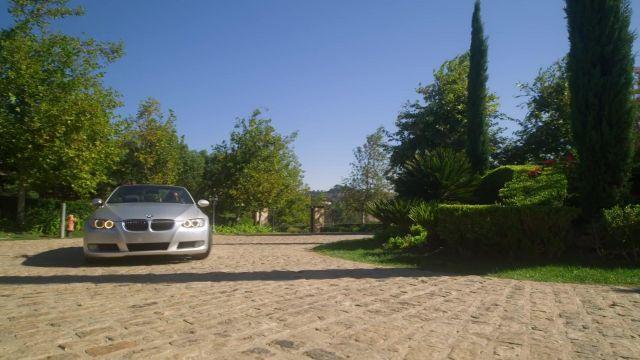 BMW 3 Series convertible driven by Miranda (Jessica Allain