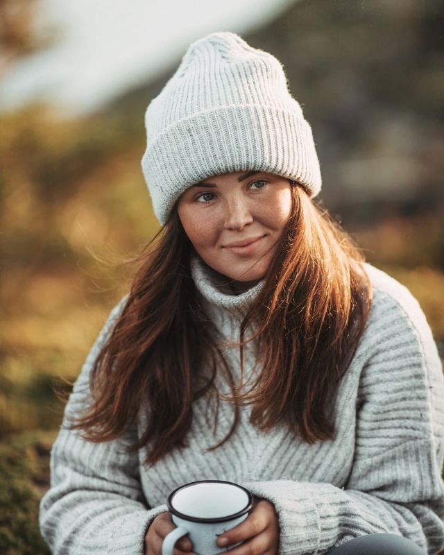 Blanc Bonnet porté par Annika sur @annikaollila | Spotern