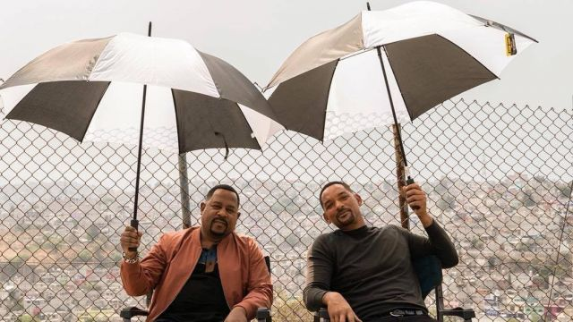 Black and white umbrella used by Detective Mike Lowrey (Will Smith) in Bad Boys for Life