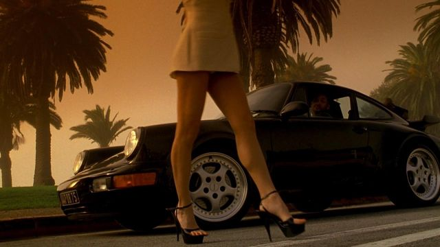 Porsche 911 driven by Mike Lowrey (Will Smith) in Bad Boys