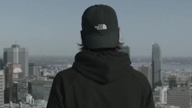 La casquette The North Face portée par Nekfeu dans son clip
