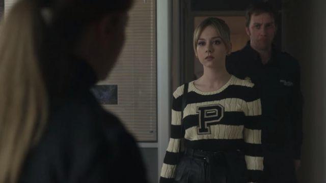 Polo Ralph Lauren Striped sweater worn by Carla (Ester Expósito) in Elite (S02E08)