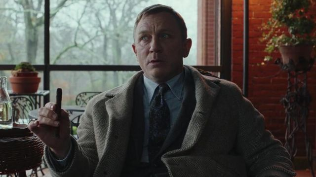 Brooks Brothers Tan Herringbone topcoat worn by Benoit Blanc (Daniel Craig) in Knives Out