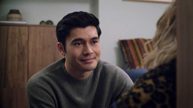 Green Wool Sweater worn by Tom (Henry Golding) in Last Christmas