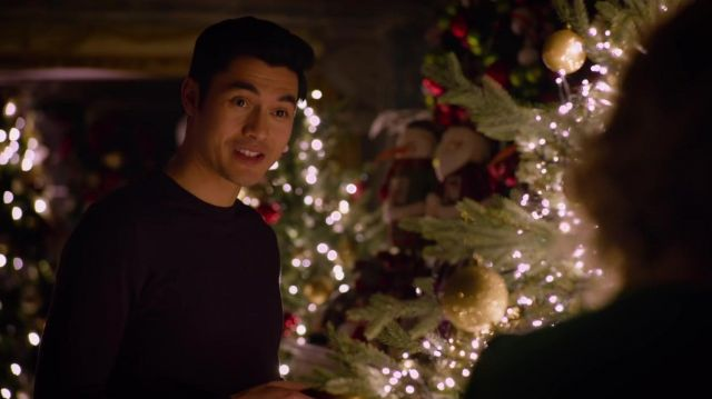 Purple Long Sleeve T-shirt worn by Tom (Henry Golding) in Last Christmas