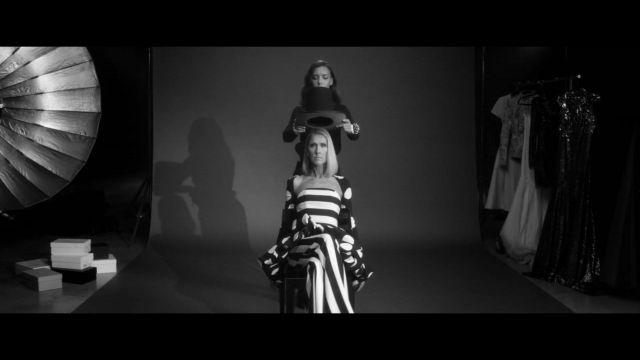 mode de premier ordre Conception innovante Braderie Chapeau noir porté par Céline Dion dans la vidéo de musique ...