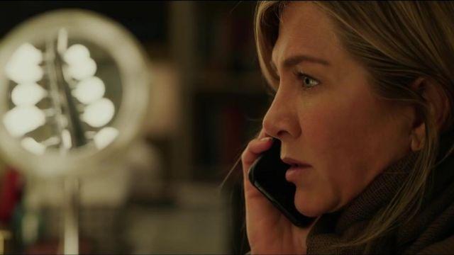 L'iPhone d'Apple utilisé par Alex Levy (Jennifer Aniston) dans L'émission du Matin (S01)