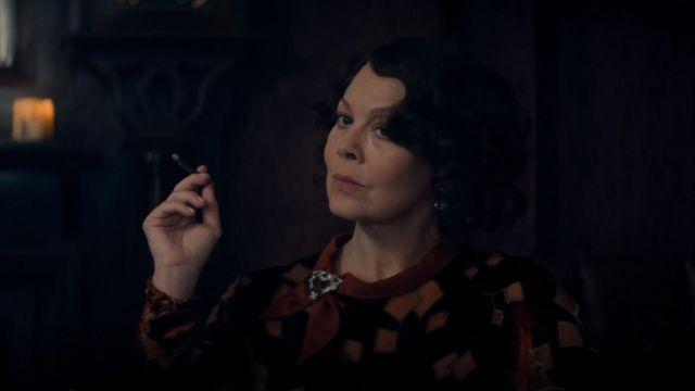 Le foulard de Polly Gray (Helen McCrory) dans Peaky Blinders (S05E06)