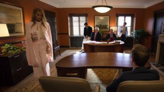 DURO OLOWU pink high-rise wide-leg pants worn by Georgina Hobart (Gwyneth Paltrow) in The Politician Season 1 Episode 2