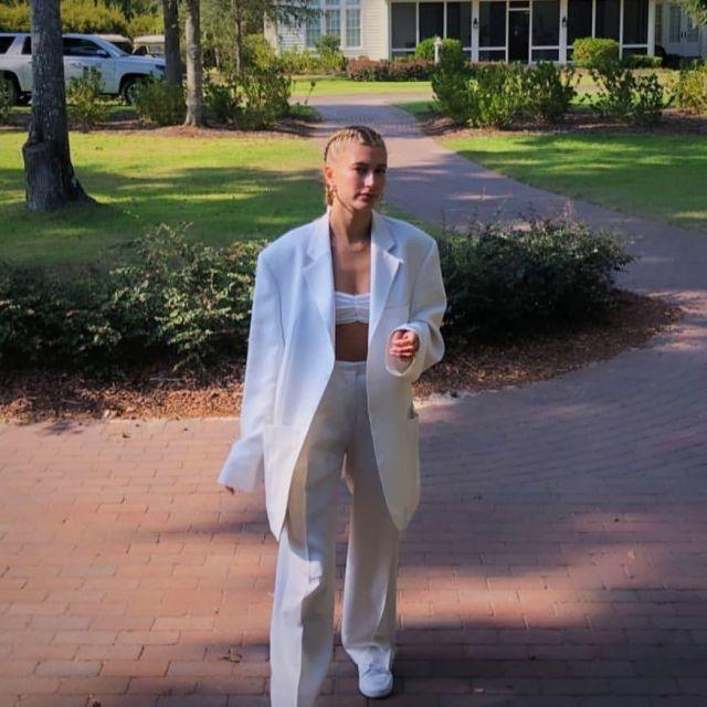 Jacquemus White La Veste Blazer worn by Hailey Baldwin South Carolina October 1, 2019
