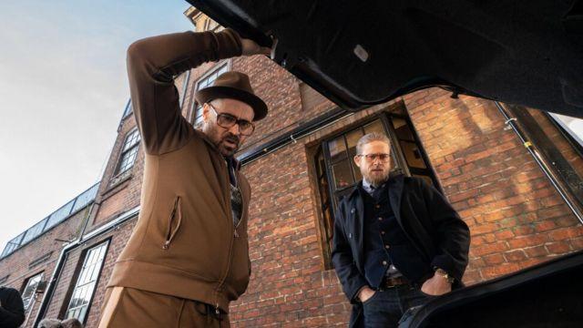 Les lunettes de vues de Coach (Colin Farrell) dans The Gentlemen