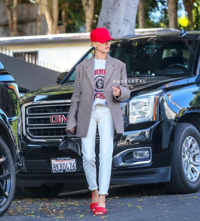 Cornell University sweatshirt mens XL champion flock print Warm Up worn by Hailey Baldwin Los Angeles October 9, 2019