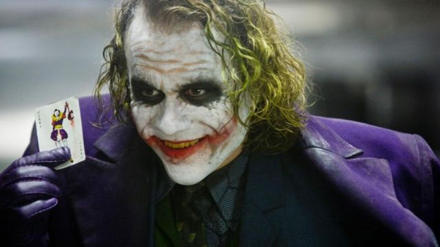 The replica of the costume of the Joker (Heath Ledger) in The Dark Knight : The black Knight