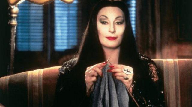 The Replica Of The Costume Of Morticia Addams Anjelica Huston In The Addams Family Spotern
