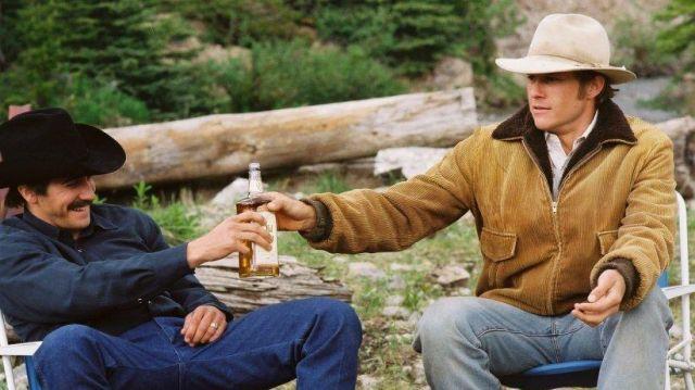 The jacket corduroy Ennis Del Mar (Heath Ledger) in Brokeback Mountain