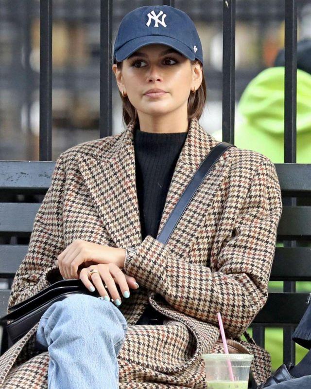 Saint Laurent le 61 leather shoulder Bbg worn by Kaia Jordan Gerber New York October 9, 2019