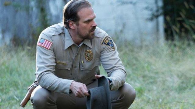 The patch embroidered Jim Hopper (David Harbour) in Stranger Things