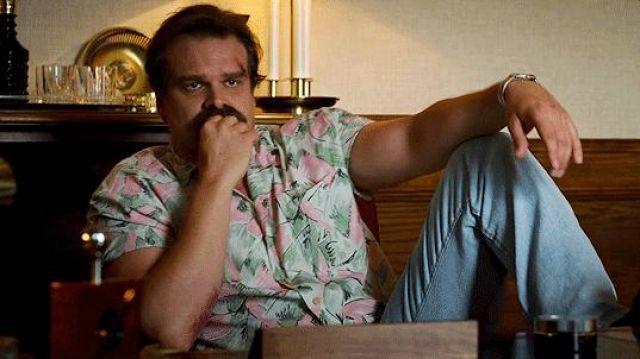 The hawaiian shirt of Jim Hopper (David Harbour) in Stranger Things Season 3