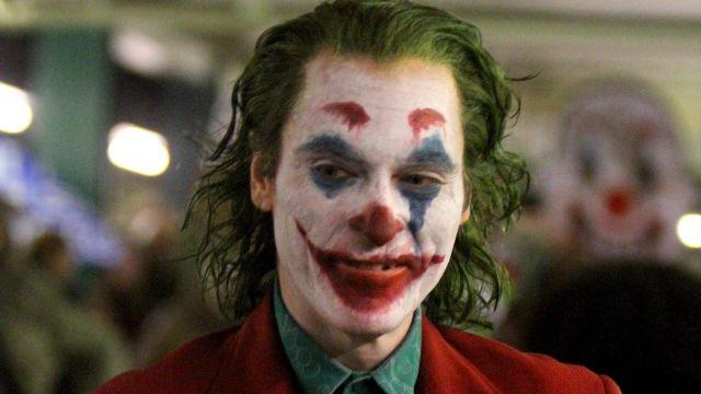 The costume worn by Arthur Fleck (Joaquin Phoenix) in the film Joker